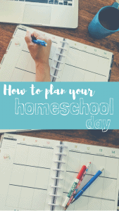 How to plan your homeschool day. Free homeschool planner printable! #homeschoolplanner #homeschool #freeprintable
