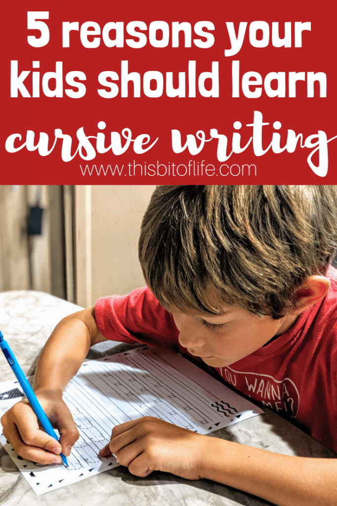 5 reasons your kids should learn cursive writing and an awesome free cursive writing printable! #cursive #cursivewriting #freeprintable #homeschoooling #homeeducationf