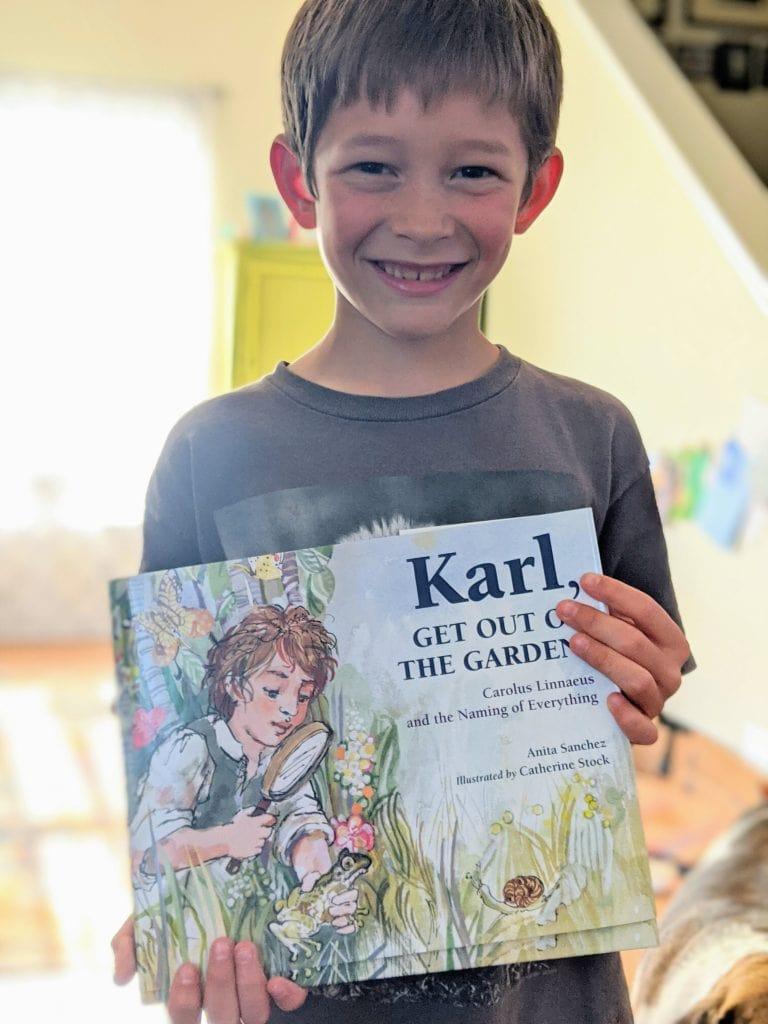 Ignite Wonder by using literature to teach geography in your homeschool! #geographycurriculum #charlottemasonhomeschool #beautifulfeetbooks